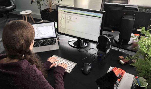Notre développeuse Ruby Sandrine chez Agence LunaWeb