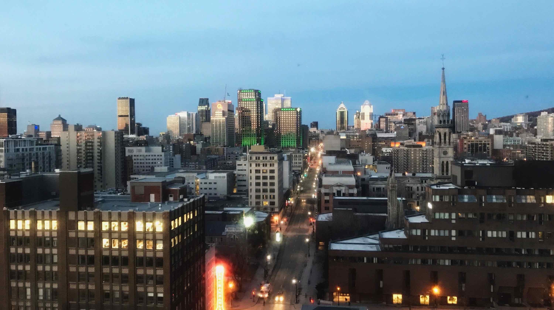 Belle vue sur Montréal de nuit