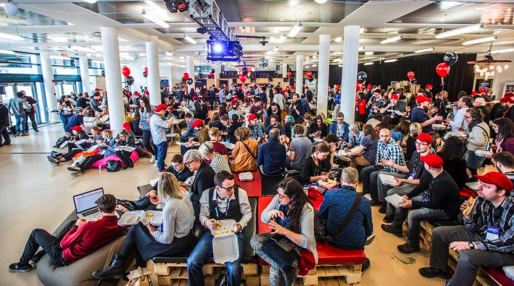 Des rencontres, des rires, des discussions, des chin-chin au Web à Québec pour LunaWeb et UX Rennes