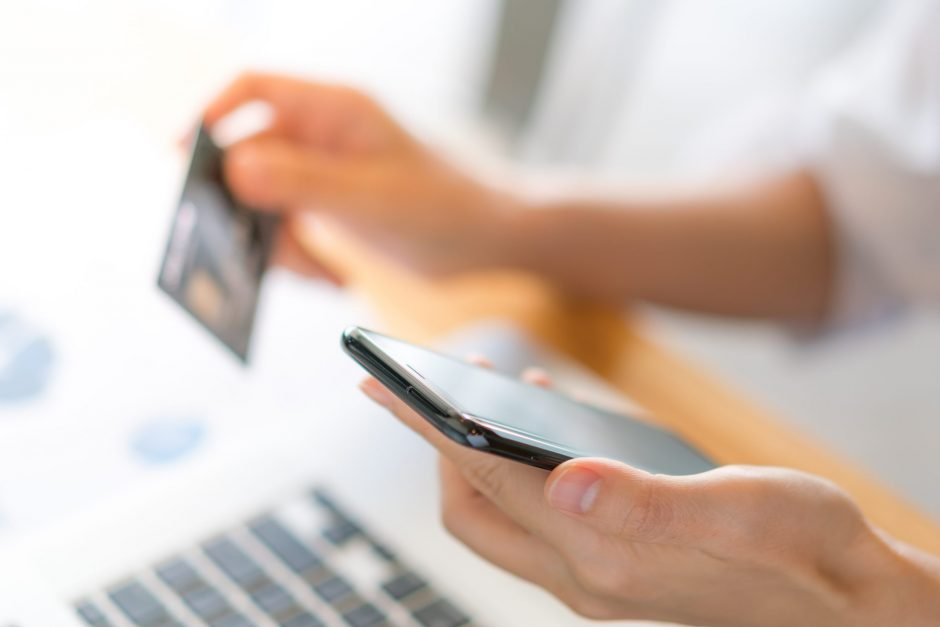 nouveaux-services-paiement-banque-jeunes-etude-tendances