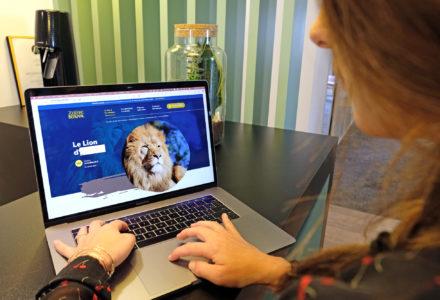 Alizée Rault, travaillant sur le futur site du Zoo de Beauval